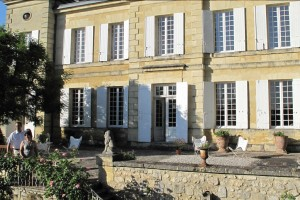 facade-chateau-lamothe-haux